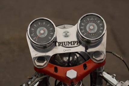 Triumph 1-1